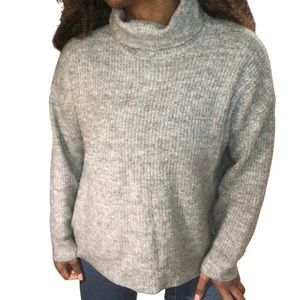 H&M Divided Grey Turtleneck Long Sleeve Sweater